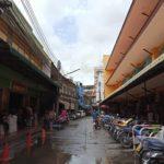 雨上がり朝のマーケットへ。ローカルを見てまわるのは楽しい。#color #shape #market